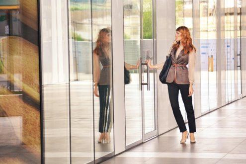Milyen ajtót válasszunk egy irodába?